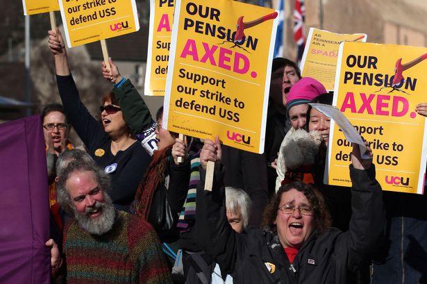 2019年英国教师罢工.jpg