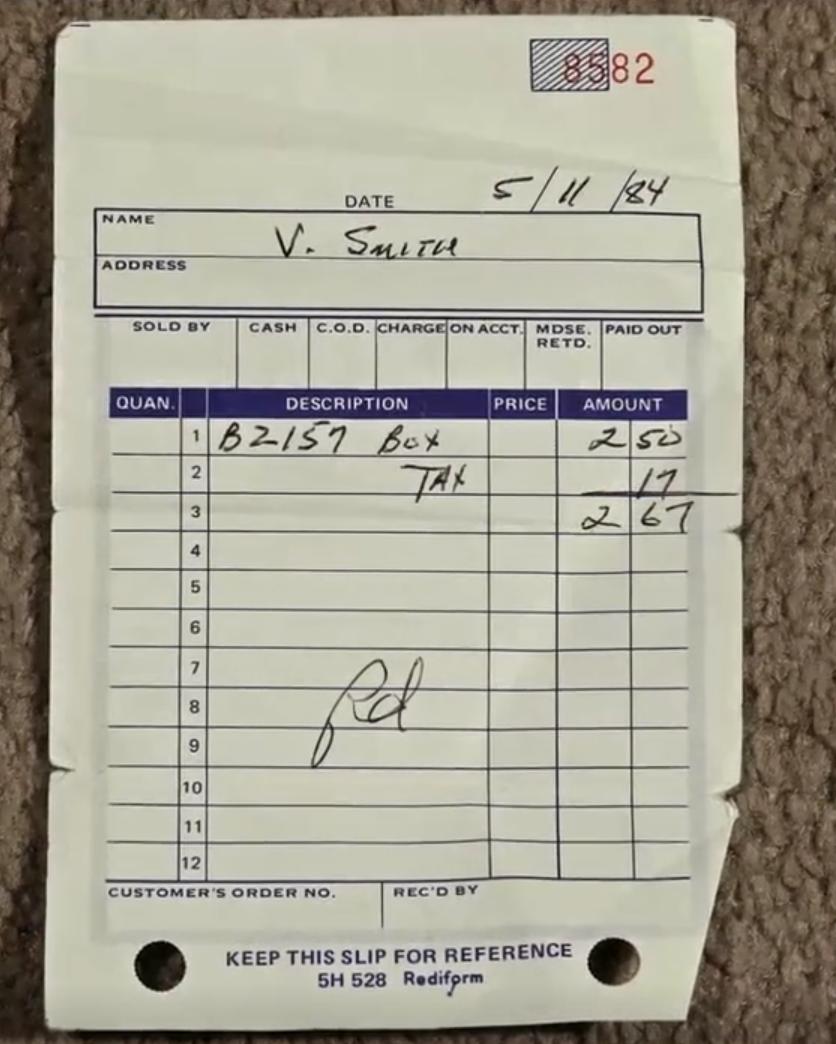 19 V Smith 签名 纪录片截图.png